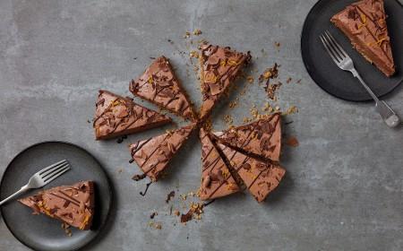 Compartiendo postre - cheesecake chocolate y naranja