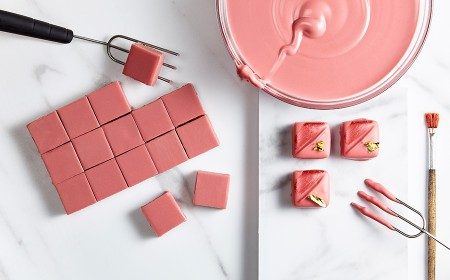Ganache met ruby rb1 handgedipte pralines