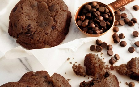 Chip cookies van donkere chocolade