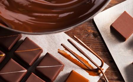 Ganache van melkchocolade om mee te omhullen
