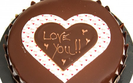 Chocolate plaques and chocolate writing