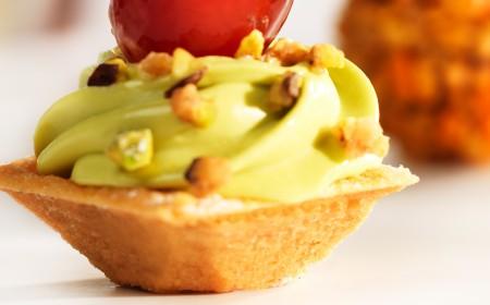 Pistachio cream tartlet
