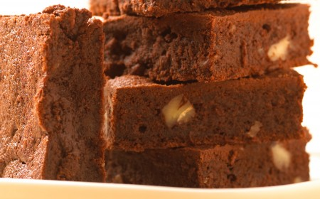 Brownie de chocolate e avelãs