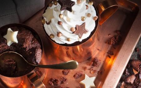 Mug cakes de chocolate negro
