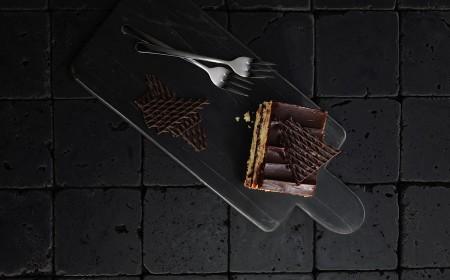 Vegane schokoladen sauerkirsch-schnitte