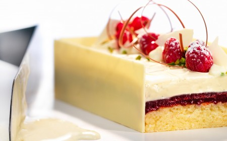 Yoghurt, rasberry and white chocolate cake