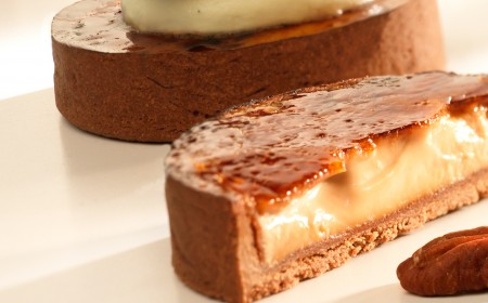 Pecan cream tart with chantilly