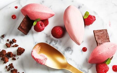 Mousse al cioccolato ruby e crumble al cacao