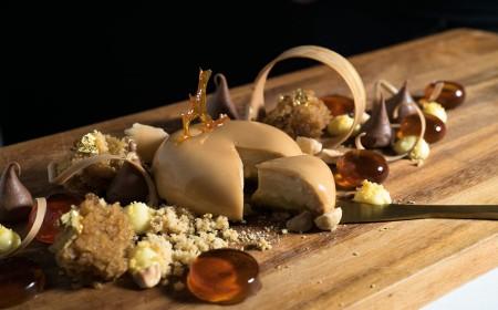 Gold digger - plated dessert petit entremet