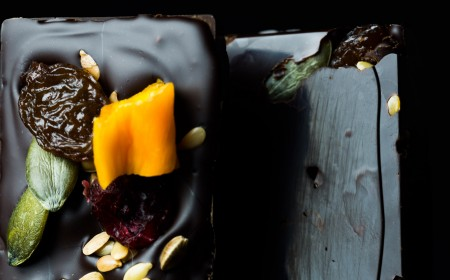 Intense Chocolate Bar with healthy cocoa nibs, seeds and dried fruits