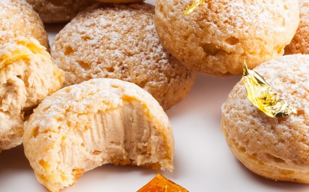 Crispy choux with praline and orange
