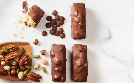 Multi-nut cakes
