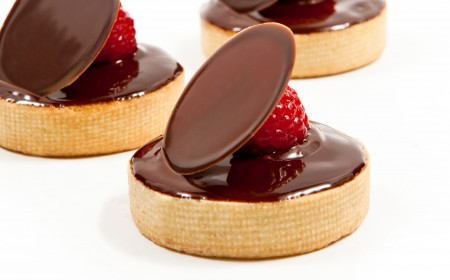 Plain tartlets with ganache glaze