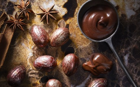 Small easter eggs filled with cinnamon and star anise ganache
