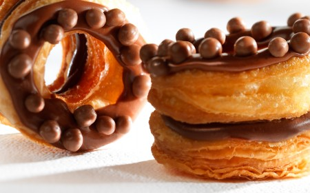 CHOCRO-DONUT� with chocolate crémeux