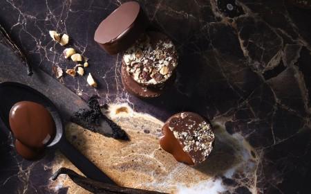praliny krojone z orzechami laskowymi oblane czekoladą ecl1pse