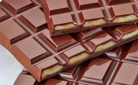 Dark chocolate and lime bar