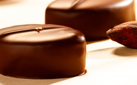 Passion fruit praline