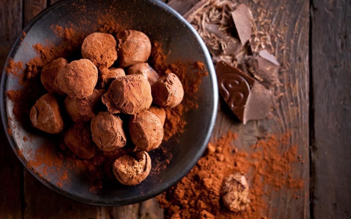 Callebaut 33% Milk Chocolate Blocks 10 kg - Costco